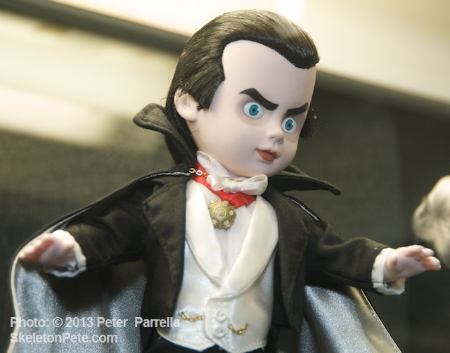 Mezco adds Universal Monsters Dracula to Rule Their Living Dead Dolls