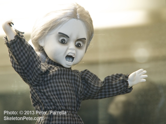 """Mad Moma"" Norman Bates Gets the Mezco LLD Spin"