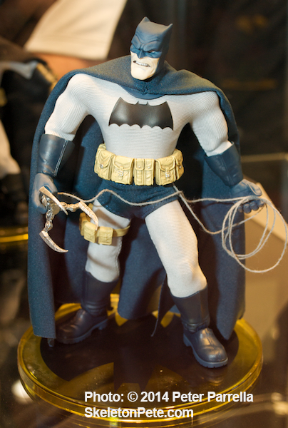 mezco toyz, one:12 collective, action figures, dark knight, batman, frank miller