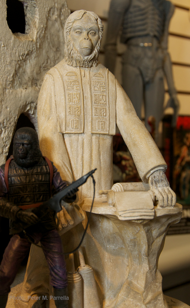 planet of the apes, neca action figures, lawgiver statue