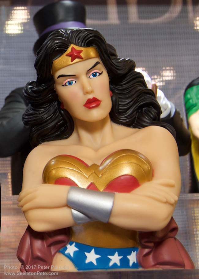 bust bank, wonder woman, monogram international, dc entertainment, comic book heroines
