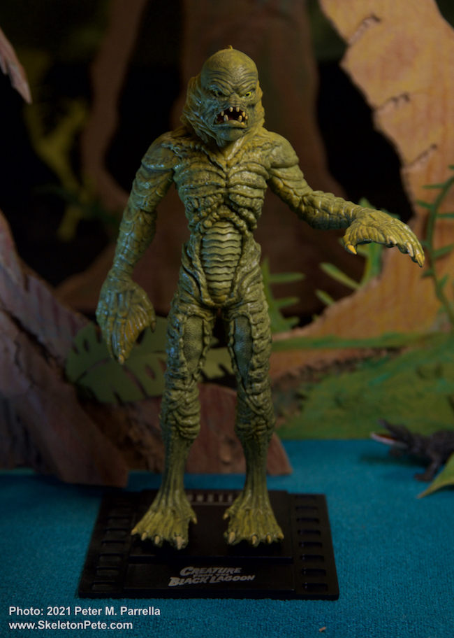 noble toys, the noble collection, bendy figs, universal monsters, action figures, hobby crafts, toy photography